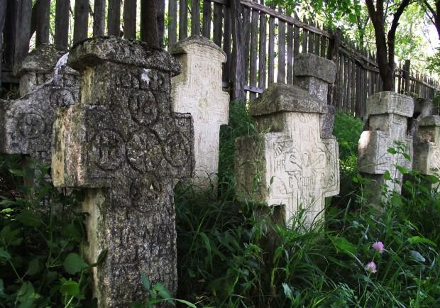 cruci. cimitir